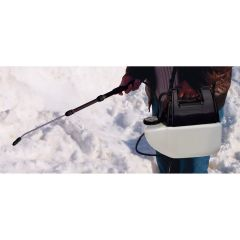 De-icer with Battery Powered Sprayer